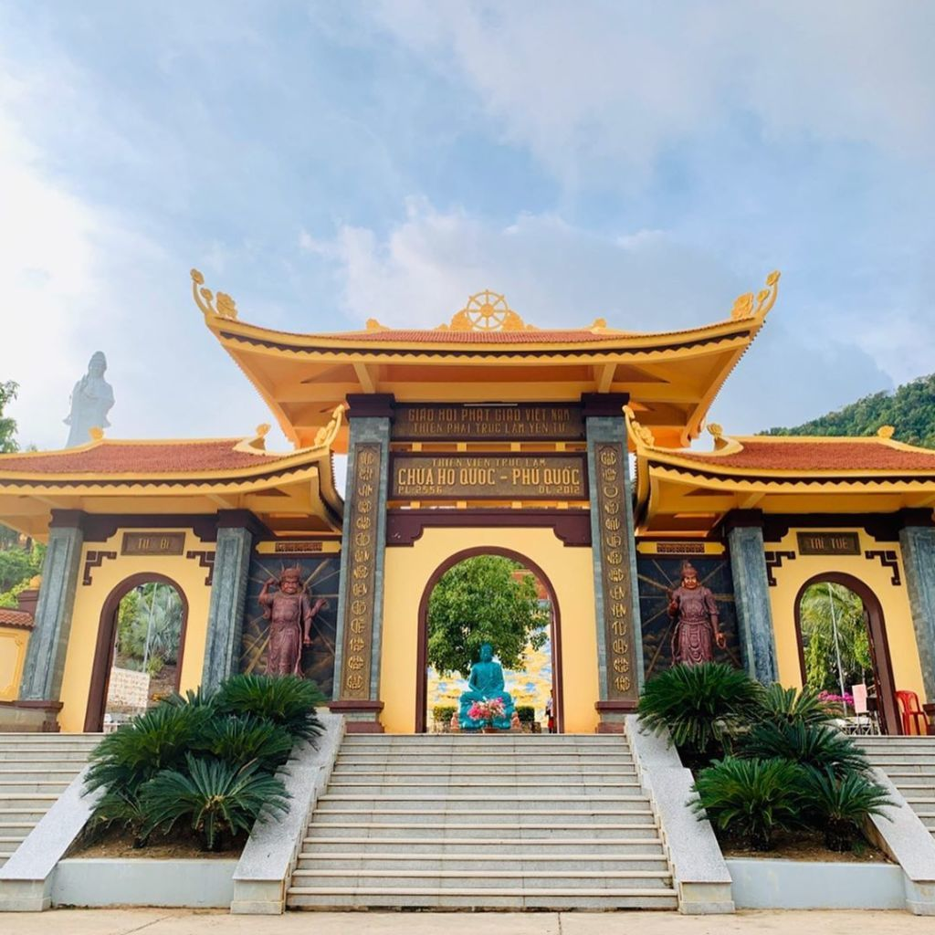 The entrance to Truc Lam Ho Quoc Zen Monastery