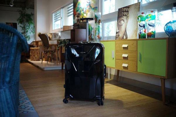 vali nhựa cứng