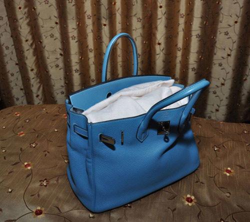 Túi xách thời trang và cách vệ sinh đúng đắn
