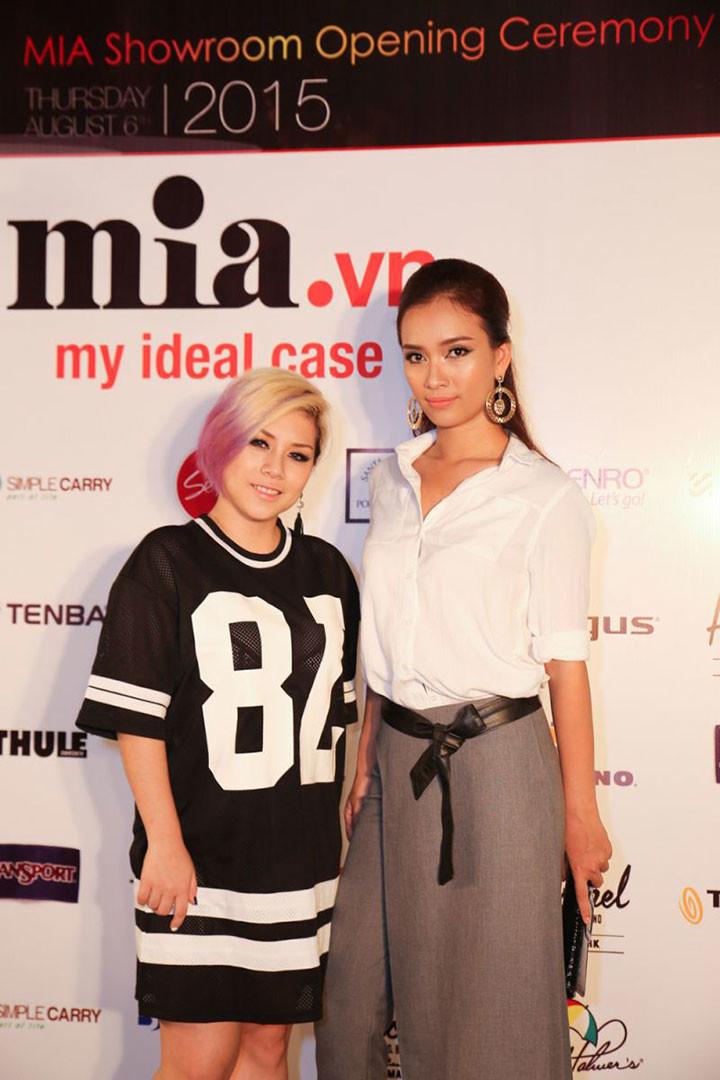 Dàn sao tham dự khai trương showroom MIA Nguyễn Văn Trỗi