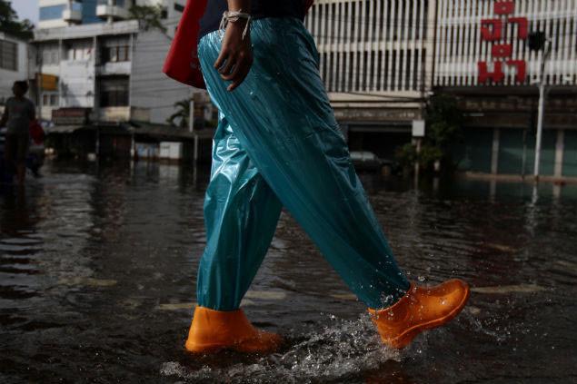 Đi du lịch mùa mưa tuyệt đối đừng quên 5 trang thiết bị này