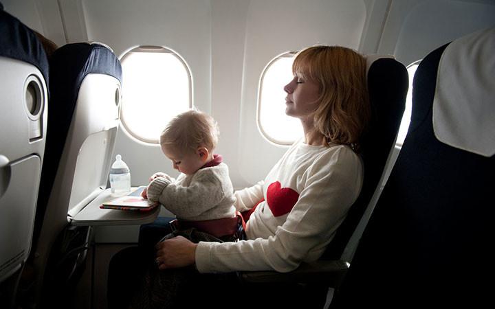 10 lời khuyên hữu ích khi đi máy bay với trẻ nhỏ