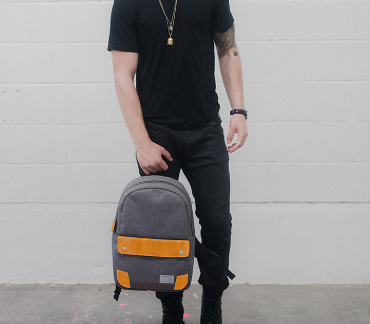 venque-classic-backpack-m-grey