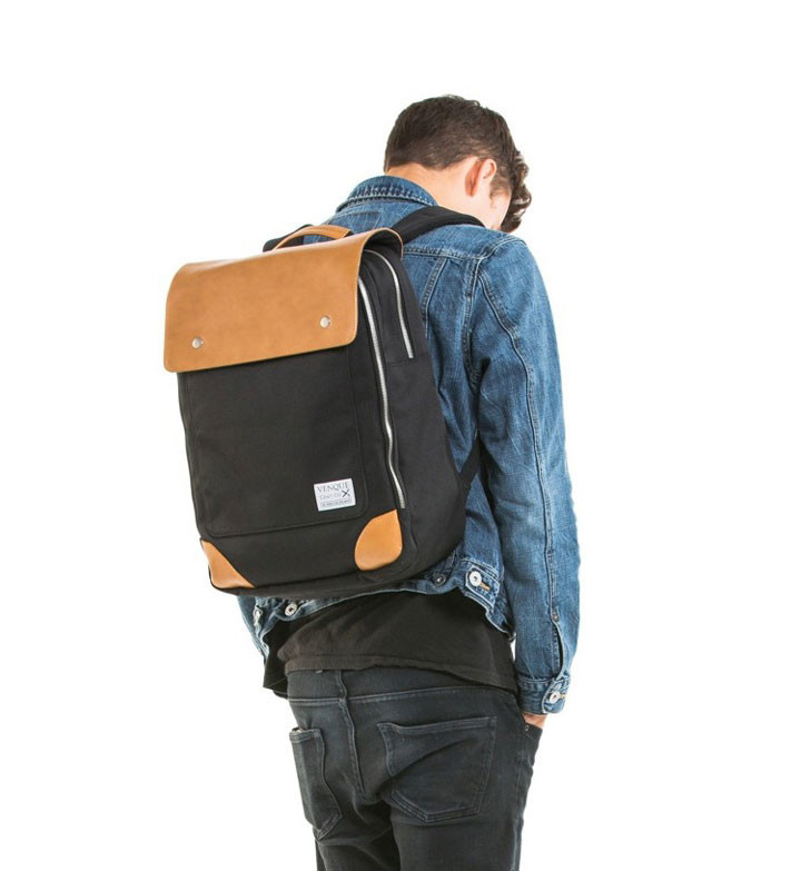 venque-flatsquare-mini-backpack-m-b Black
