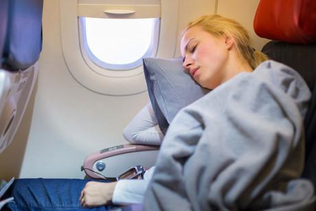 """Cách đối phó với 10 """"chứng bệnh"""" bạn sẽ gặp khi đi máy bay"""