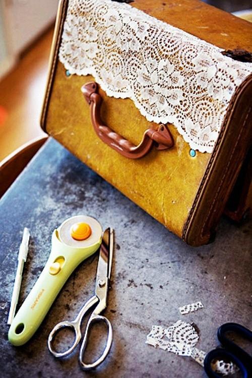tu-treo-tuong-handmade-tu-chiec-vali-cu5