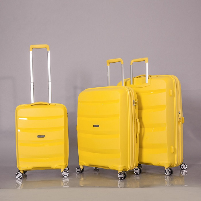 vali đi du lịch
