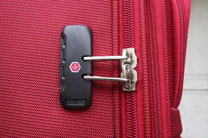 cách mở khóa vali